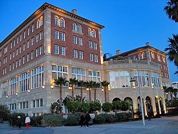 Hotel Casa del Mar in Santa Monica. Hotel Reservations in Santa Monica, Ocean Park and Los Angeles. [Photo Credit: LAtourist.com]