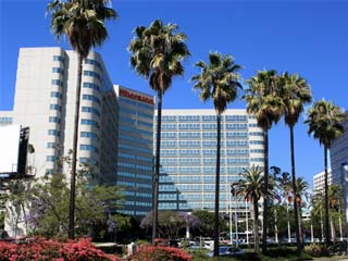 Sheraton Gateway Los Angeles Hotel near Los Angeles International Airport (LAX). Hotel Reservations in Los Angeles, Marina del Rey, Culver City and other areas near LAX. [Photo Credit: LAtourist.com]