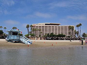 Marina del Rey Marriott. Hotel Reservations in Marina del Rey, Los Angeles. [Photo Credit: LAtourist.com]