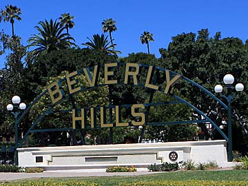 Beverly Hills Marquis at Beverly Gardens Park in Beverly Hills. [Photo Credit: LAtourist.com]