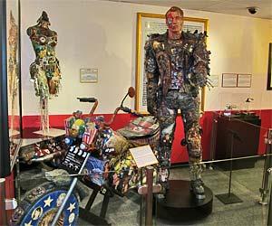 Arnold Schwarzenegger (Terminator) Exhibit at Ripleys Odditorium in Hollywood. [Photo Credit: LAtourist.com]