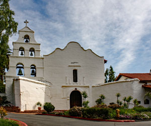 Mission San Diego de Alcala. [Photo Credit: Bernard Gagnon / Wikimedia Commons]