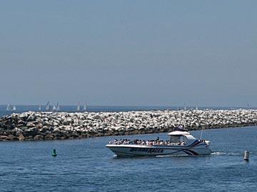 Redondo Beach Harbor, Los Angeles, California. [Photo Credit: LAtourist.com]