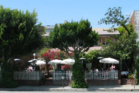The Ivy Restaurant on Robertson Boulevard in Los Angeles. [Photo Credit: LAtourist.com]