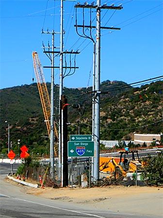 I-405 Construction near the Mulholland Overpass. [Photo Credit: LAtourist.com]